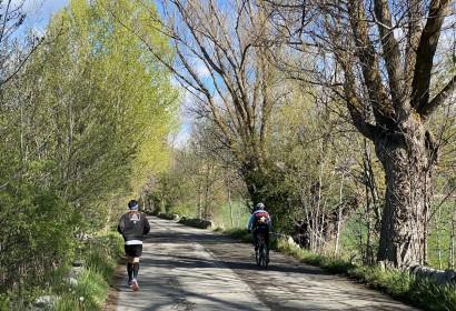 Els cerdans sortim a la muntanya (Foto: M.S.).|Pedalant per l'entorn de Puigcerdà aquest cap de setmana (Foto: Panxing cerdanya).|Fent esport entre Puigcerdà i Age (Foto: Pànxing Cerdanya).