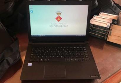L'Ajuntament de Puigcerdà facilitat equips i recursos informàtics als escolars sense accés a la tecnològia (Foto: A. de Puigcerdà).