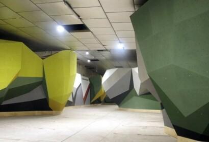 Pla general de la sala d'escalada per a adults que s'està construint a Manresa. Imatge del 24 d'agost del 2020. (Horitzontal)