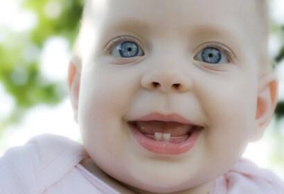 Falsos mites sobre la sortida de les dents en els bebès