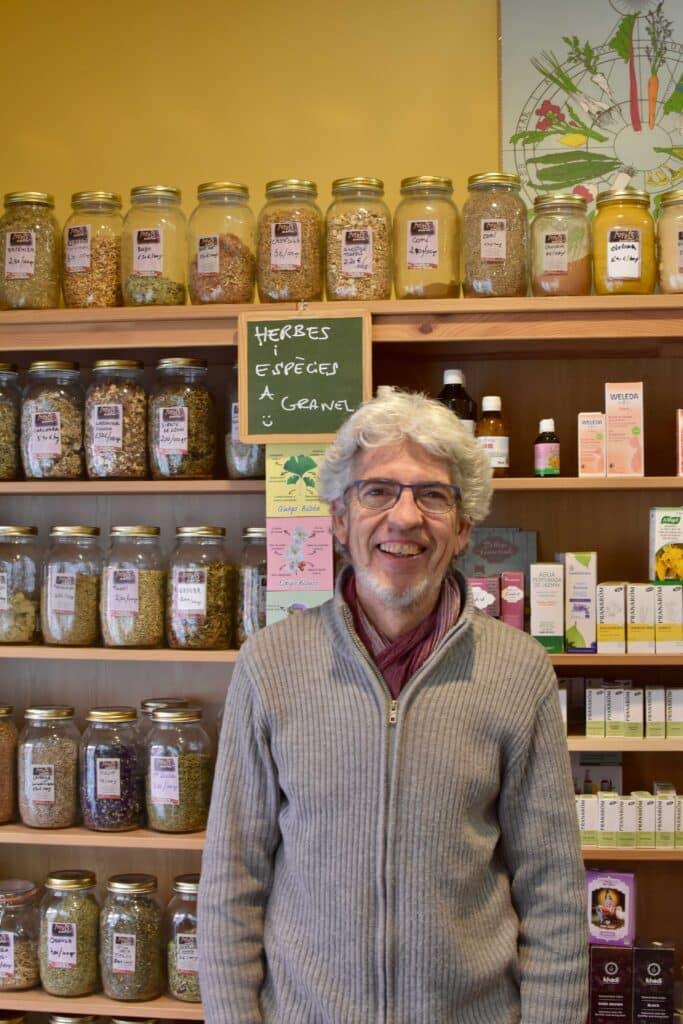 Jaume Rabassa propietari de l'Ecobotiga Arrels