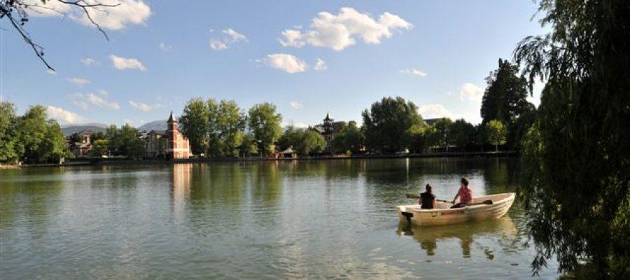 Tornen les passejades en barca a l'Estany de Puigcerdà