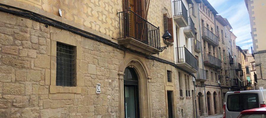 Un Sant Jordi adaptat al confinament a Solsona