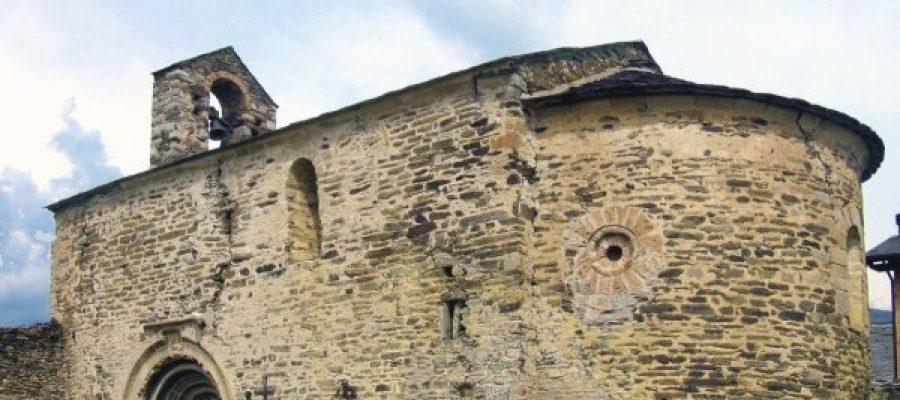 Restauració portalada sta Eugènia de Saga